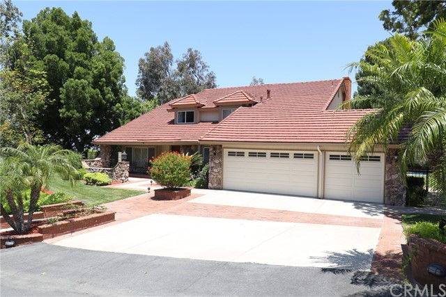 One of Anaheim Hills Homes for Sale at 370 S Via Montanera, 92807
