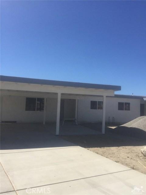 13972 Mesquite Avenue, Desert Hot Springs CA: http://media.crmls.org/medias/051491fc-5883-405d-8554-e629e3f38c19.jpg