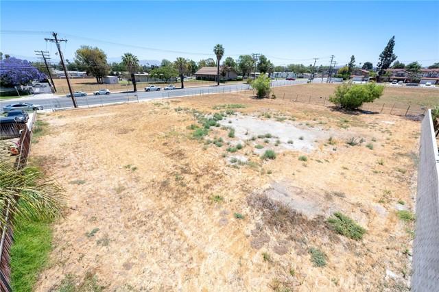 4654 Jackson Street, Riverside CA: http://media.crmls.org/medias/0518005d-fa9b-4432-bd5f-743f31f20865.jpg