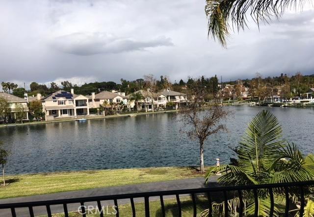 独户住宅 为 销售 在 86 Lakeside Drive Buena Park, 加利福尼亚州 90621 美国