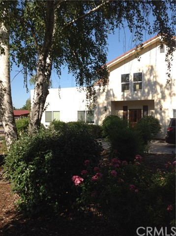 37 Caruthers Lane, Chico CA: http://media.crmls.org/medias/05317a1a-aa1d-475d-8873-d8cbed4535f0.jpg