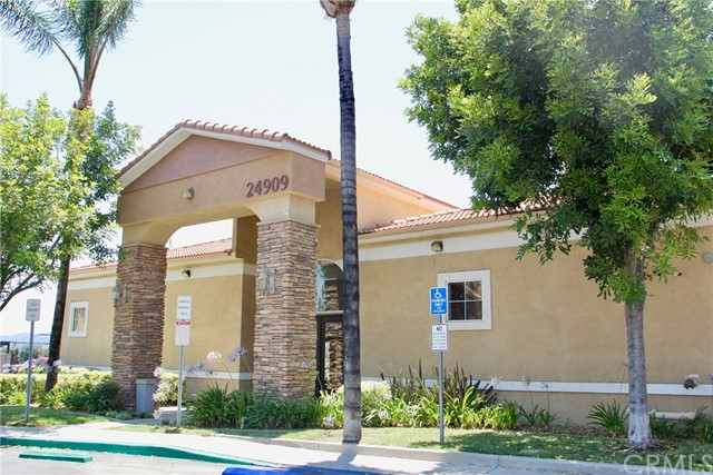 24909 Madison Avenue, Murrieta CA: http://media.crmls.org/medias/05369af5-1e9e-4066-9895-c77385089c00.jpg