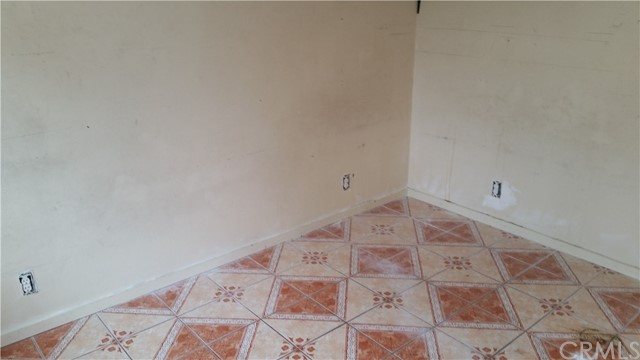 6506 S Hoover St, Los Angeles, CA 90044 Photo 15