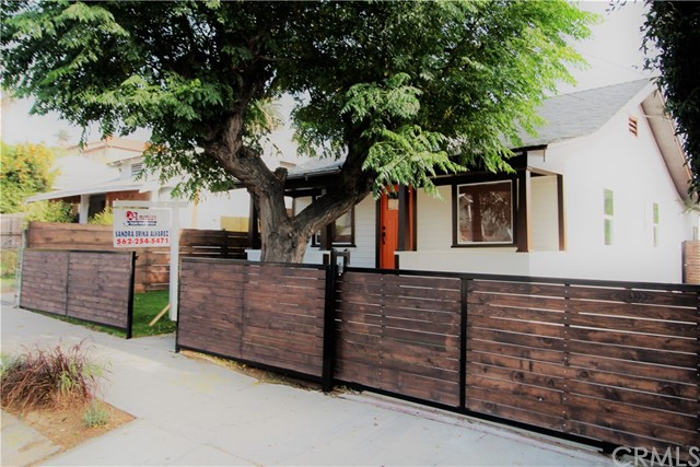 Single Family Home for Sale at 522 Bonnie Brae Street N Los Angeles, California 90026 United States