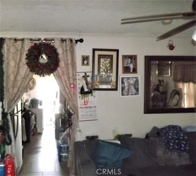 1088 Saint Louis Avenue, Long Beach CA: http://media.crmls.org/medias/05686e48-014b-426b-a90c-40f663e8126d.jpg