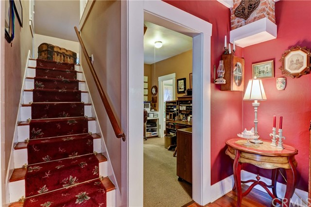 2219 3rd Street La Verne, CA 91750 - MLS #: CV17173160