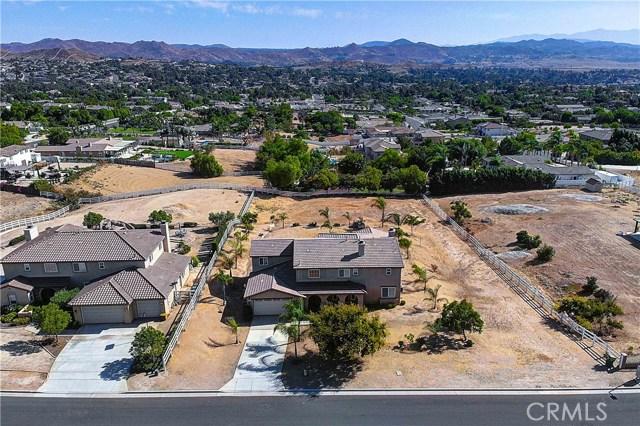 17197 Birch Hill Road, Riverside CA: http://media.crmls.org/medias/05761c12-707f-4e44-bd7a-ca5943ade669.jpg