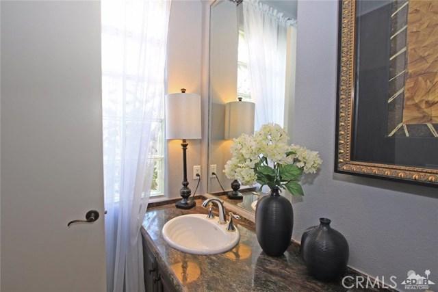 104 Loch Lomond Road, Rancho Mirage CA: http://media.crmls.org/medias/057a0684-3cc5-4039-99f4-65a472dfb389.jpg