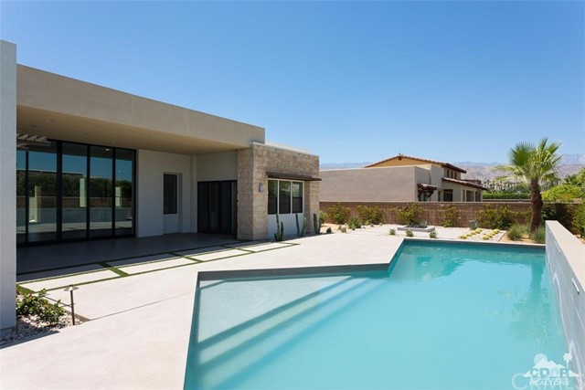 16 Sapphire Lane, Rancho Mirage CA: http://media.crmls.org/medias/057d1af2-1dda-4c7a-9324-84ef0f2cfb32.jpg