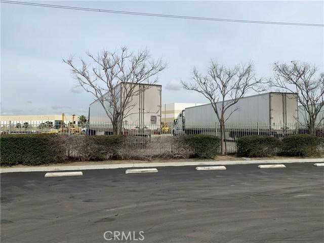 3230 Cornerstone Drive, Eastvale CA: http://media.crmls.org/medias/0599b7fa-cdec-48d4-b164-69ac7b0f89dd.jpg