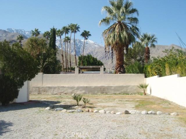 2107 N Vista Grande Avenue, Palm Springs CA: http://media.crmls.org/medias/059c44e1-6849-41bd-afb6-f299b74cc97a.jpg