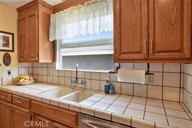 3716 Allred Street, Lakewood CA: http://media.crmls.org/medias/05c5307f-dc2d-4bf1-a929-f6f6c8ac73f9.jpg