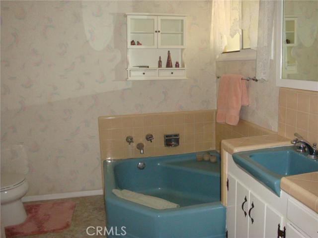 340 E Hawthorne Street, San Bernardino, California 91764, 4 Bedrooms Bedrooms, ,1 BathroomBathrooms,HOUSE,For sale,Hawthorne,CV15229448