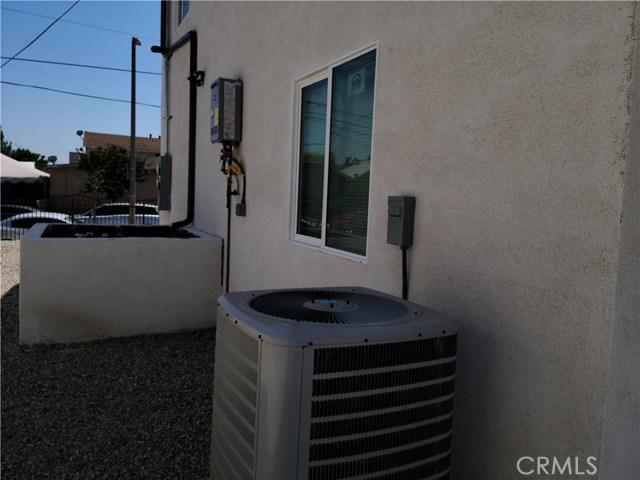 1635 E 33rd Street, Los Angeles CA: http://media.crmls.org/medias/05d55cd0-76fe-4b04-9dd2-86b475e53deb.jpg