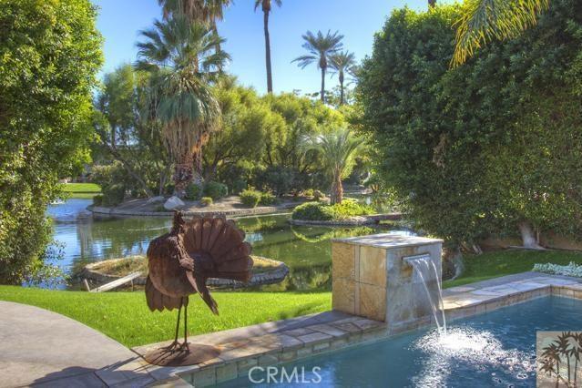 108 Waterford Circle, Rancho Mirage CA: http://media.crmls.org/medias/05e2ee17-dbcf-4d64-bd36-1b57c95e943c.jpg