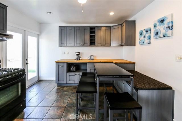 425 W Knepp Avenue, Fullerton CA: http://media.crmls.org/medias/05ebf1af-a127-4b03-a15b-4054b65bc67c.jpg