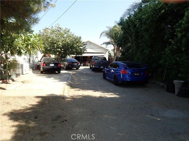 9791 Poplar Avenue, Fontana CA: http://media.crmls.org/medias/05edf3bd-734f-45b5-bc32-15f1e53affbc.jpg