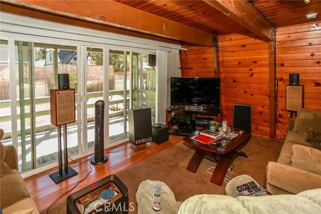 445 Elysian Boulevard, Big Bear CA: http://media.crmls.org/medias/05f2e868-bb99-4962-90a0-c2109513fa7f.jpg