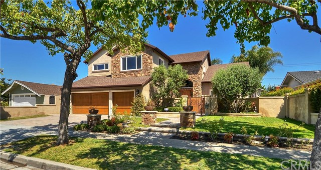 2911 Copa De Oro Drive Rossmoor, CA 90720 is listed for sale as MLS Listing OC16157896