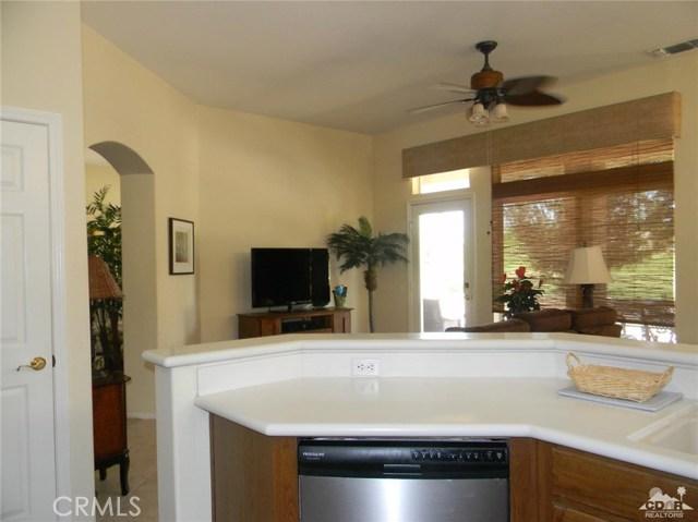 78260 Willowrich Drive, Palm Desert CA: http://media.crmls.org/medias/05f8fd49-0e4e-495a-8408-fe42c17ddc6c.jpg