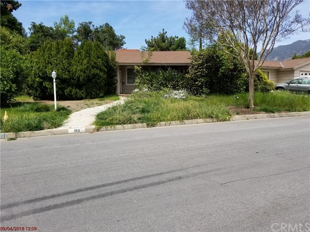 103 San Rafael Road, Arcadia CA: http://media.crmls.org/medias/05fb0887-d81a-4e3b-af25-7bb5c87b2c48.jpg