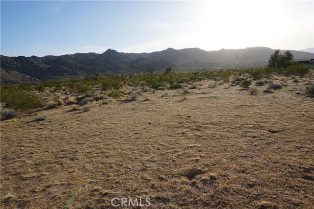 8776 Uphill Road, Joshua Tree CA: http://media.crmls.org/medias/05fdf041-3bfd-480d-95ff-c271f4a40707.jpg