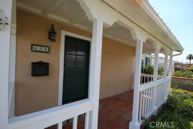 628 Hartford Avenue, Huntington Beach CA: http://media.crmls.org/medias/05fe20d7-8241-4da8-be19-6cecc3229e4e.jpg