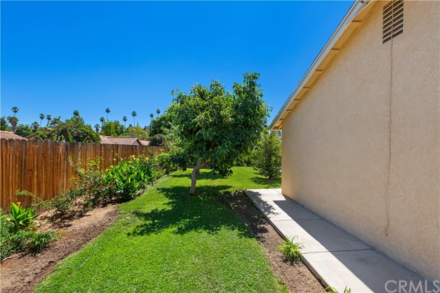 6445 Foster Drive, Riverside CA: http://media.crmls.org/medias/0603016c-3339-4384-9b00-872ddb34f250.jpg