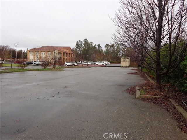 1117 El Monte Avenue, Chico CA: http://media.crmls.org/medias/06044549-5408-41bf-a57c-a4aa65f84c8f.jpg