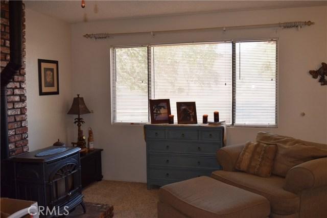 33050 Road 416, Coarsegold CA: http://media.crmls.org/medias/0605518e-28f8-4788-ad45-4473ef59a868.jpg