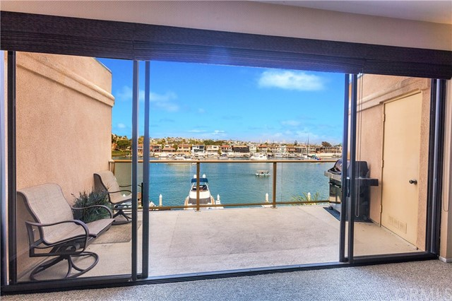 633 Lido Park Drive, Newport Beach CA: http://media.crmls.org/medias/06072523-f7d2-4a2b-bc8f-e8bee4b2756d.jpg