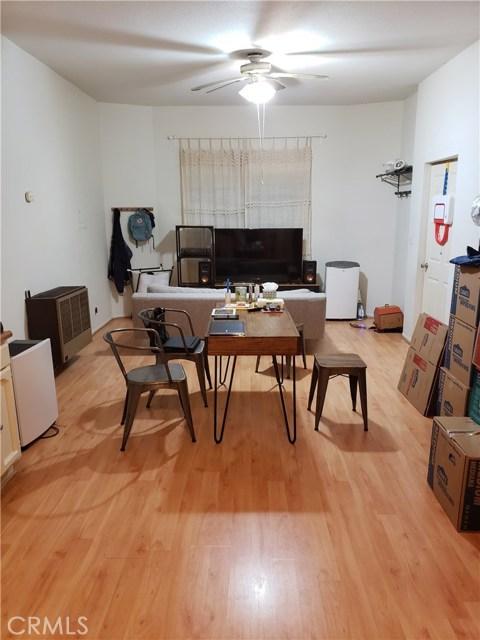 1217 S Kingsley, Los Angeles CA: http://media.crmls.org/medias/060fd208-4577-4362-a992-079e943ef465.jpg