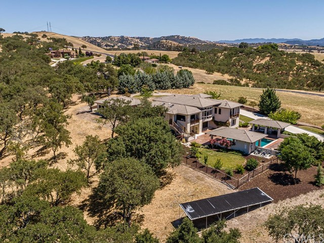 1463 Burnt Rock Way, Templeton CA: http://media.crmls.org/medias/06117dd0-9637-425e-8823-db7bce811b9e.jpg