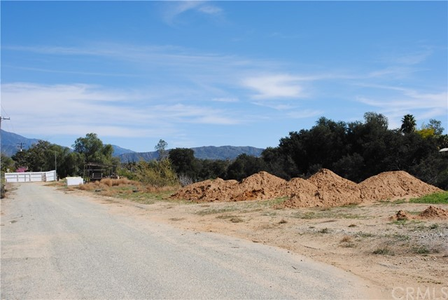 867 W County Line Road Calimesa, CA 92320 - MLS #: EV18044973
