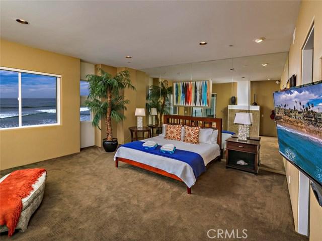 923 S Pacific Street, Oceanside CA: http://media.crmls.org/medias/061cb737-99f8-4889-8fa7-80e655b92fc0.jpg