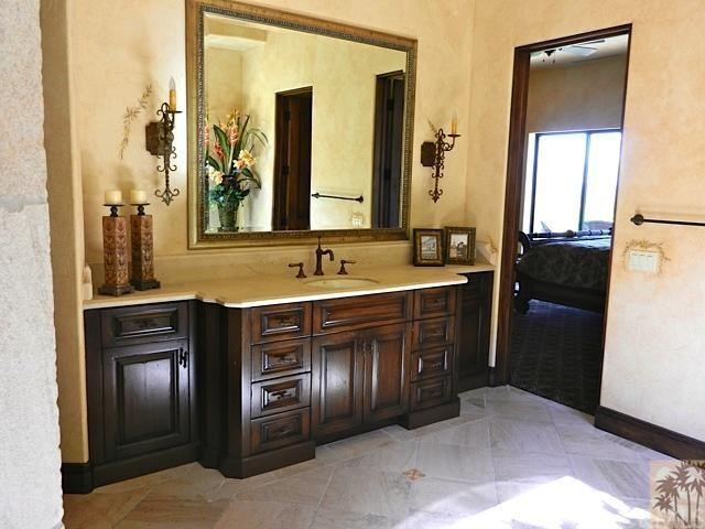 79281 Tom Fazio Lane, La Quinta CA: http://media.crmls.org/medias/061d027f-6564-45f6-9b89-27a01ce63d5e.jpg