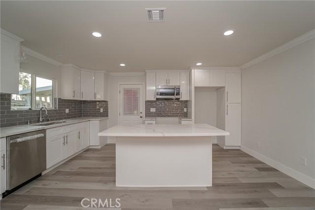 11220 Sibert Street, Santa Fe Springs CA: http://media.crmls.org/medias/06398294-893a-470a-8fca-e3284654fd8c.jpg