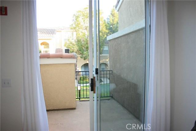 1805 Crescent Oak, Irvine, CA 92618 Photo 3