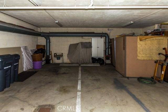 4108 Highland Avenue, Manhattan Beach CA: http://media.crmls.org/medias/064248b2-0e7c-4b6c-92e4-cf31aa490413.jpg