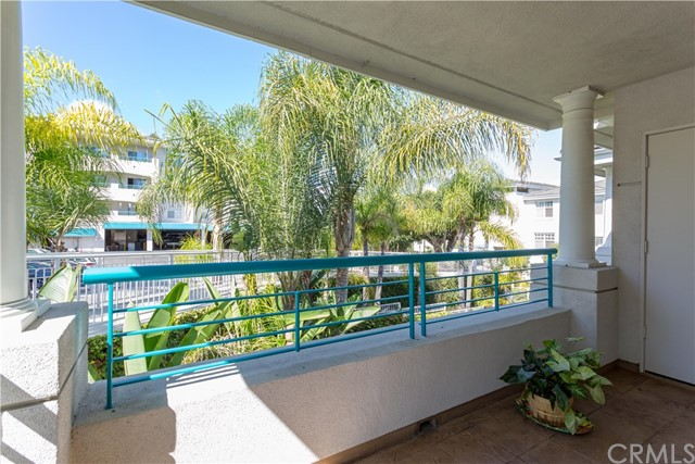 25432 Sea Bluffs Drive Unit 301 Dana Point, CA 92629 - MLS #: OC18214395