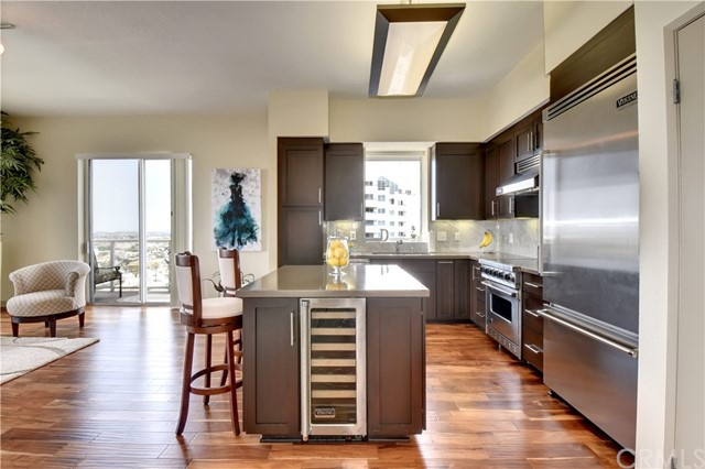 Condominio por un Venta en 488 E Ocean Boulevard Long Beach, California 90802 Estados Unidos