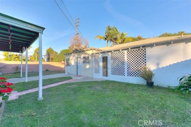 2990 Gale Avenue, Long Beach CA: http://media.crmls.org/medias/06527aa8-dd50-463f-bd2f-623369a95ddb.jpg