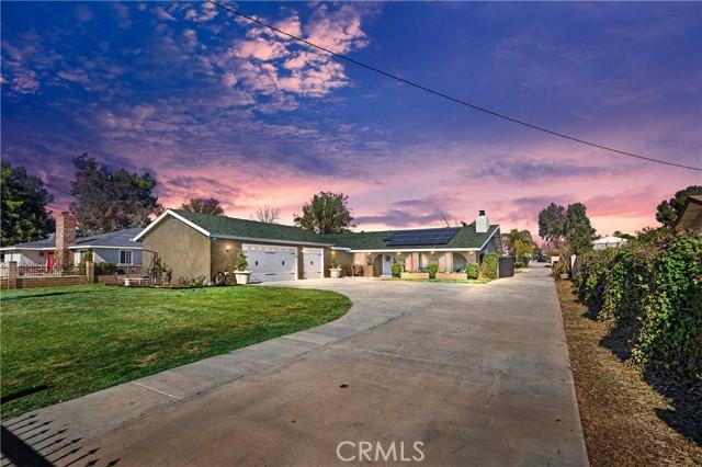 Photo of 18160 Santa Ana AV, BLM, CA 92316