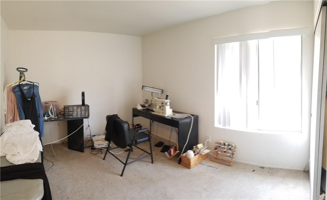 941 Baron Place, Escondido CA: http://media.crmls.org/medias/0659bf8c-7fca-42f4-b15a-ad4e14ab299b.jpg