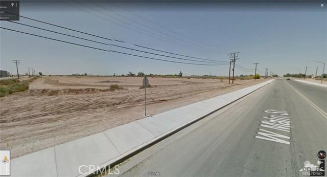 701 W Main Street, Calipatria CA: http://media.crmls.org/medias/065dc23e-3a2e-40cd-8c1e-00949b87d8fb.jpg