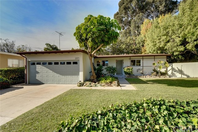 Single Family Home for Sale at 2371 Faust Avenue 2371 Faust Avenue Long Beach, California 90815 United States