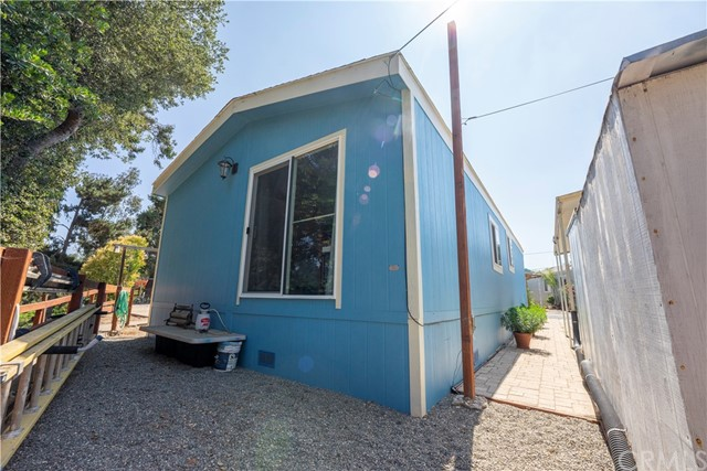 355 W Clark Avenue, Santa Maria CA: http://media.crmls.org/medias/0667c1de-4f9f-493e-bb7b-7ca4093c82c4.jpg