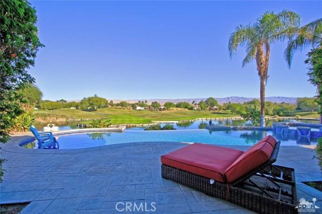 104 Loch Lomond Road, Rancho Mirage CA: http://media.crmls.org/medias/067f4272-3e02-42af-9e5b-c665ee49ffd2.jpg