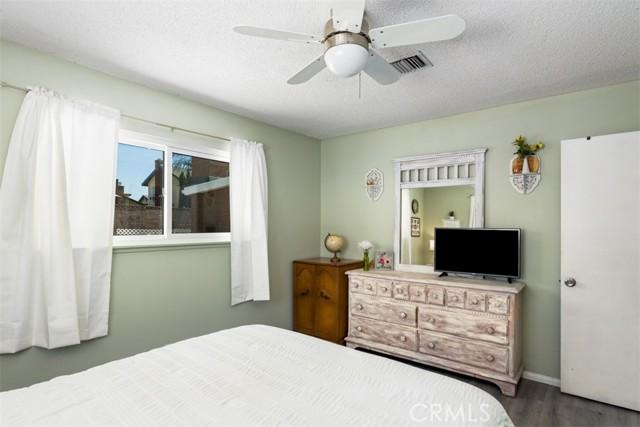 724 Moonbeam Street, Placentia CA: http://media.crmls.org/medias/0689338f-dd30-40c0-8145-3dfd365633b7.jpg