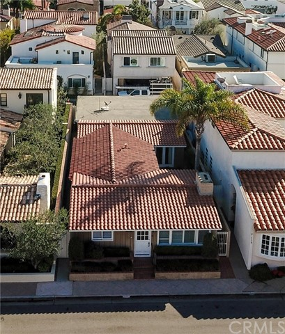 Single Family Home for Sale at 116 VIA WAZIERS Newport Beach, 92663 United States